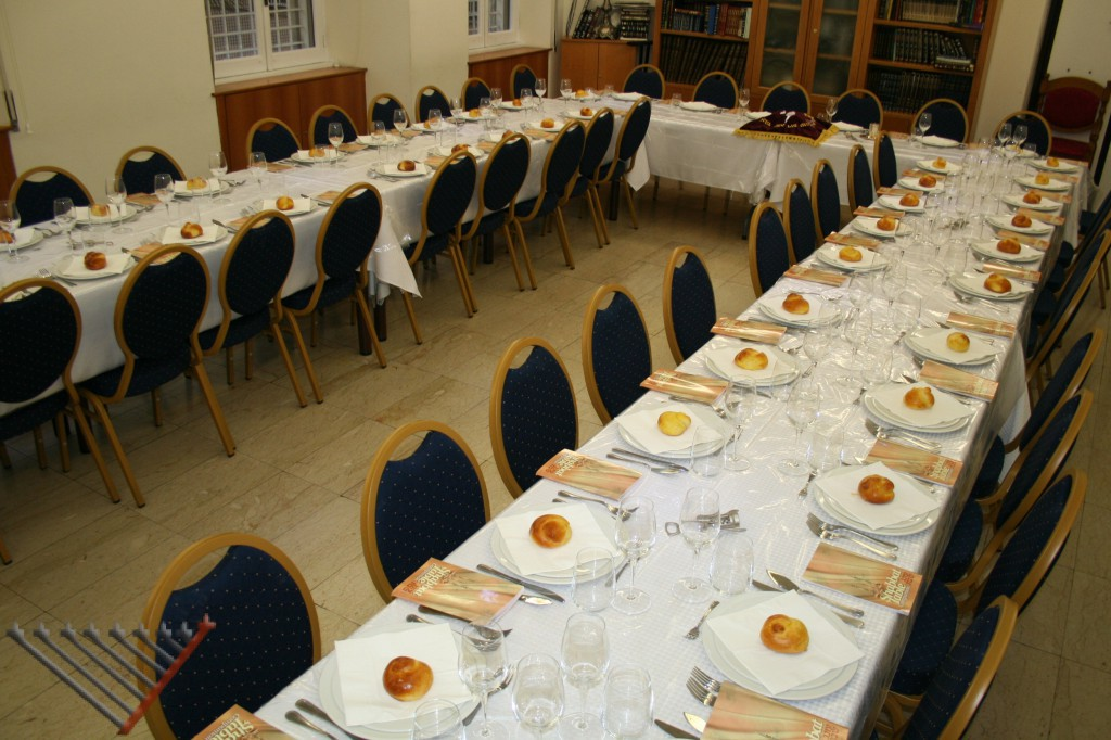 Shabbat meal in Rome with Chabad